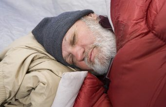 Best ways to sleep with a cold