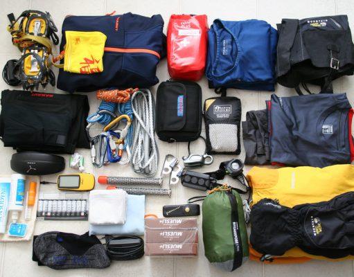 Essential Hiking Gear List