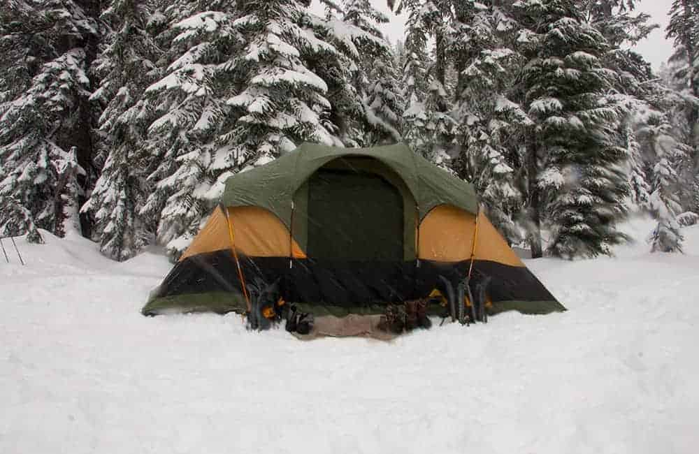 How to keep warm in cold weather camping