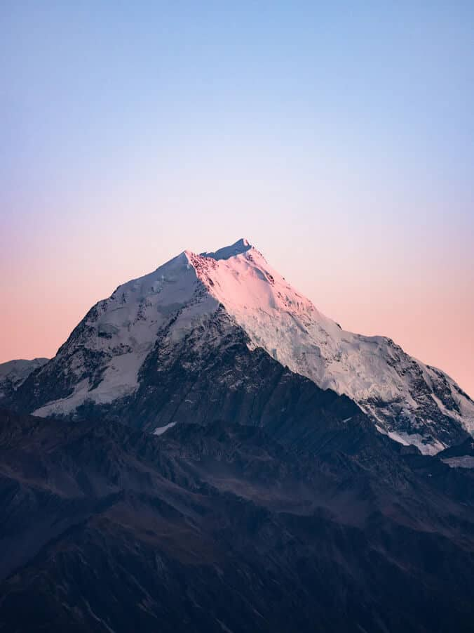 difference between hill and mountain