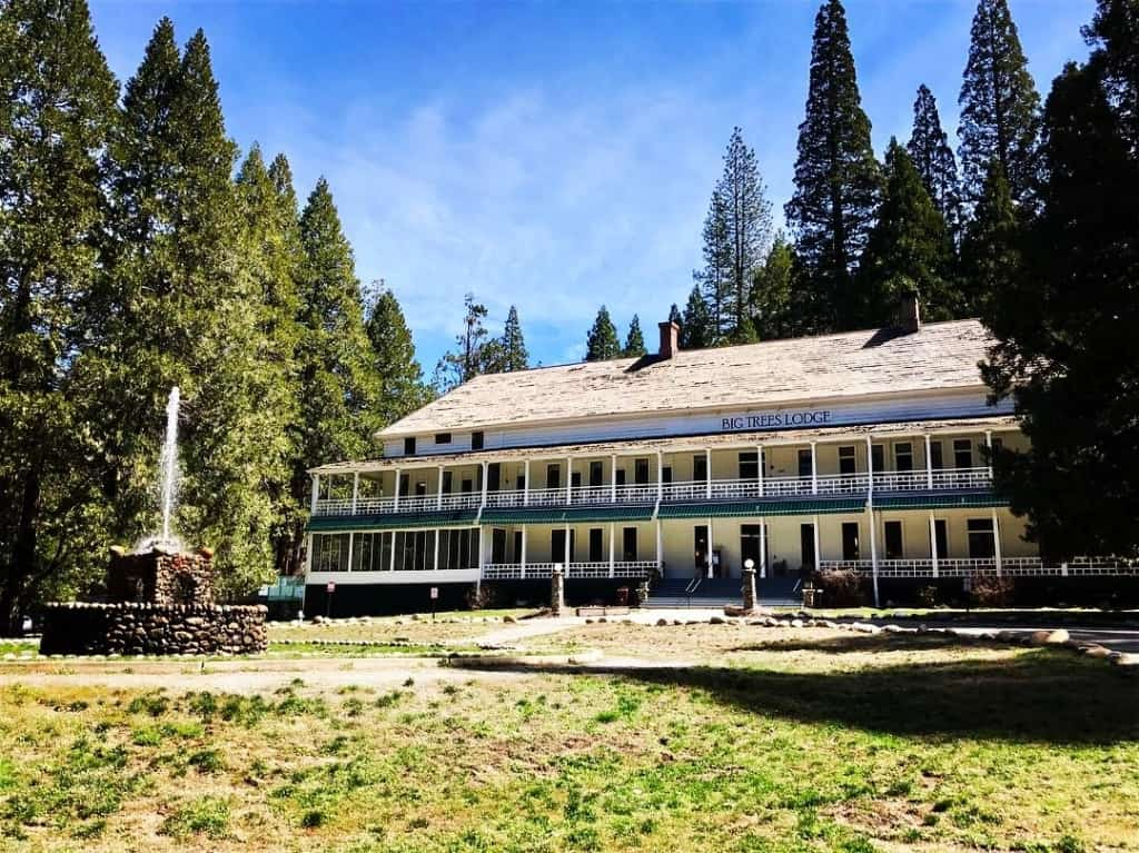 Best Places to Stay in Yosemite National Park - Big Trees Lodge